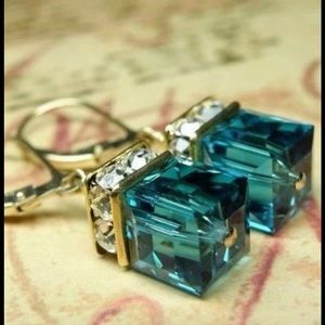 Swarovski Crystal Green Cube Earrings